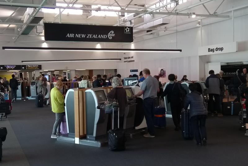 オークランド空港 国内線ターミナル 23