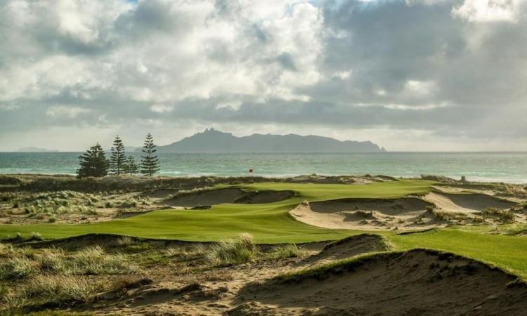タライティゴルフ場 – Tara Iti Golf Club
