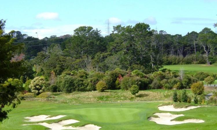 ティティランギゴルフ場 – Titirangi GC