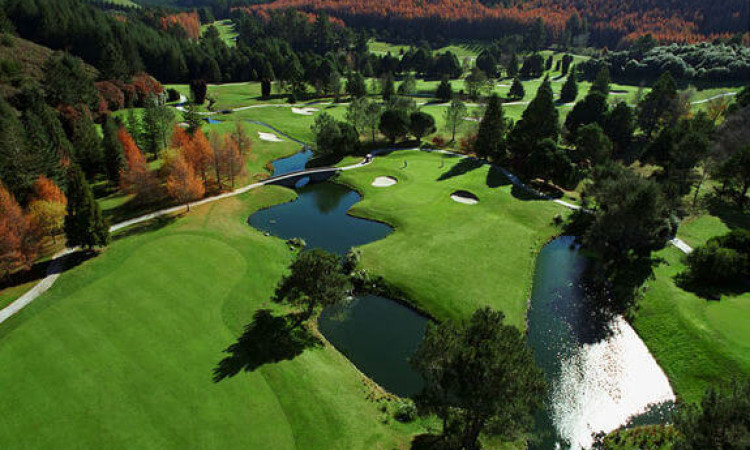 ワイラケイゴルフ場 – Wairakei International