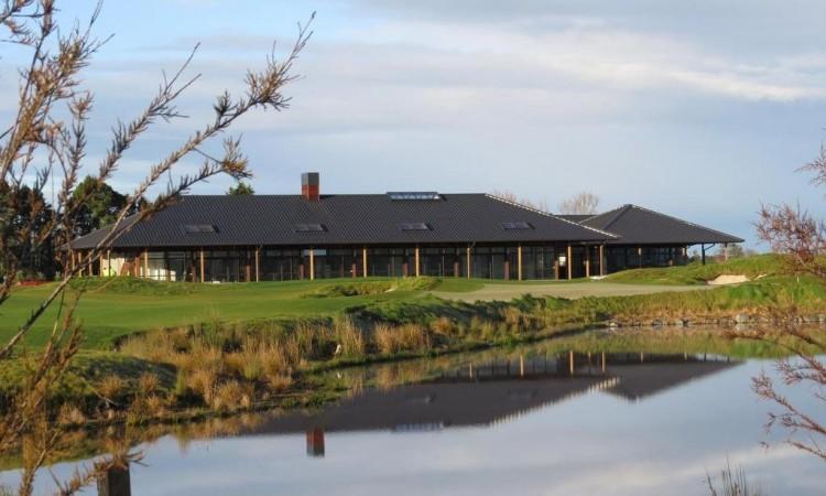 ウィンドロスファームゴルフ場 – Windross Farm Golf Course