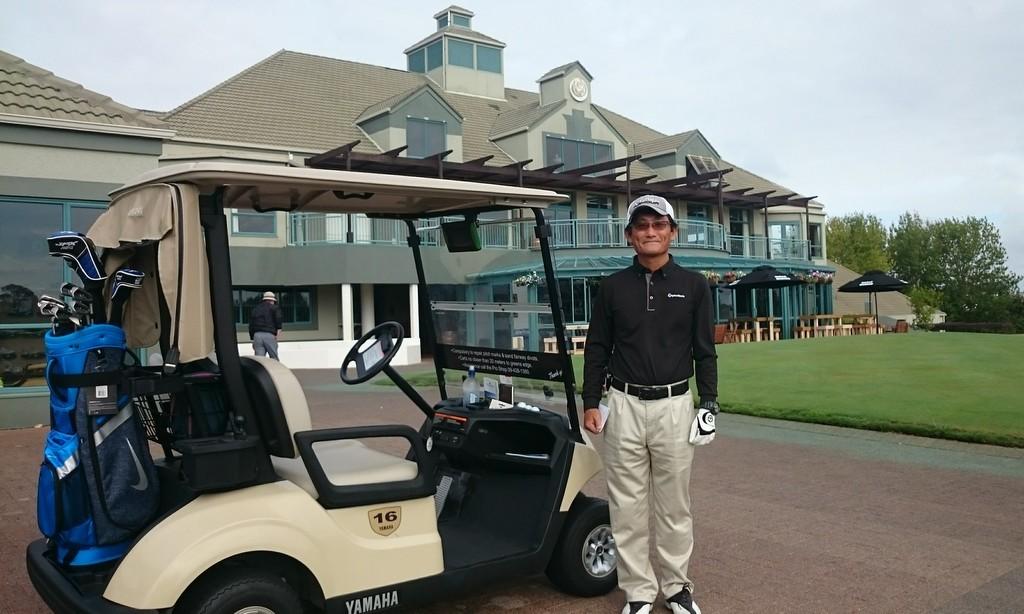 車中では、現地の情報交換と佐井さんご本人のゴルフへの情熱が伝わる、楽しい会話ができました。